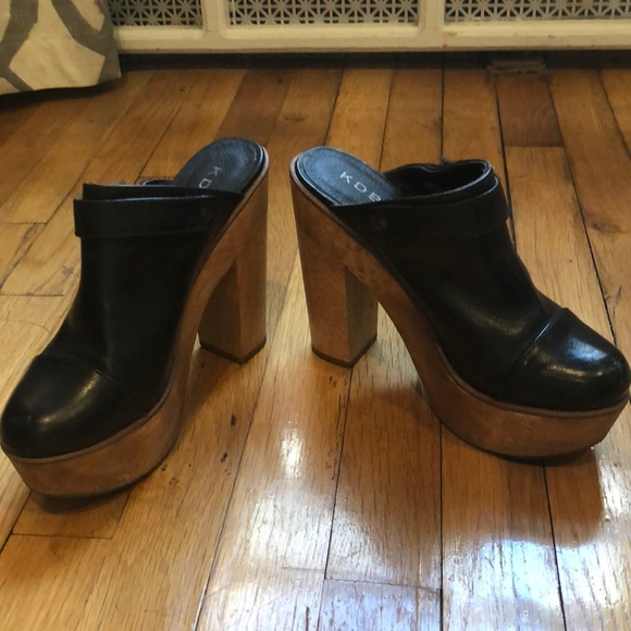 KDB Shoes | Black Clogs With Wooden